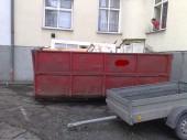Odvoz odpadu v kontejneru